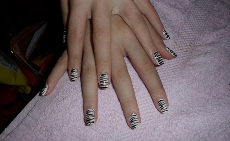 Black & White Zebra Nail Art