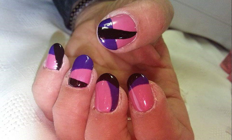 Freehand Multicolored lines nail art