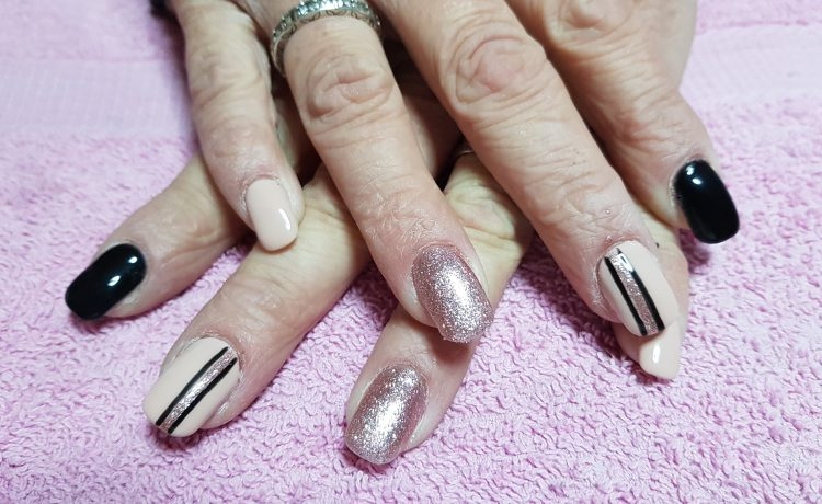 nude and rose gold stripy nails